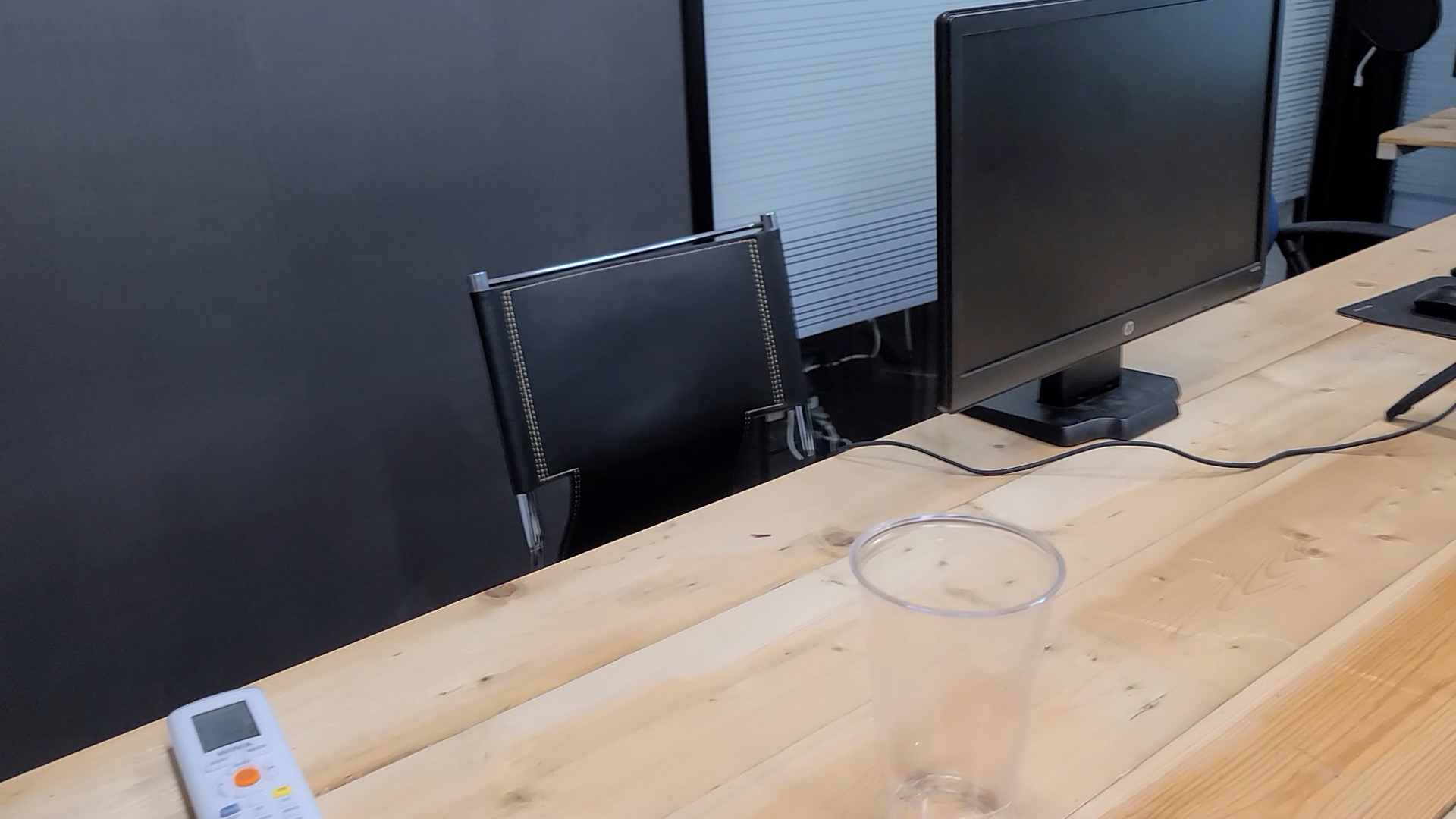 에스플러스학원 Splus Academy 비대면 온라인 완전탈바꿈.00_02_06_12.스틸 062제6강의실의자와컴퓨터.jpg